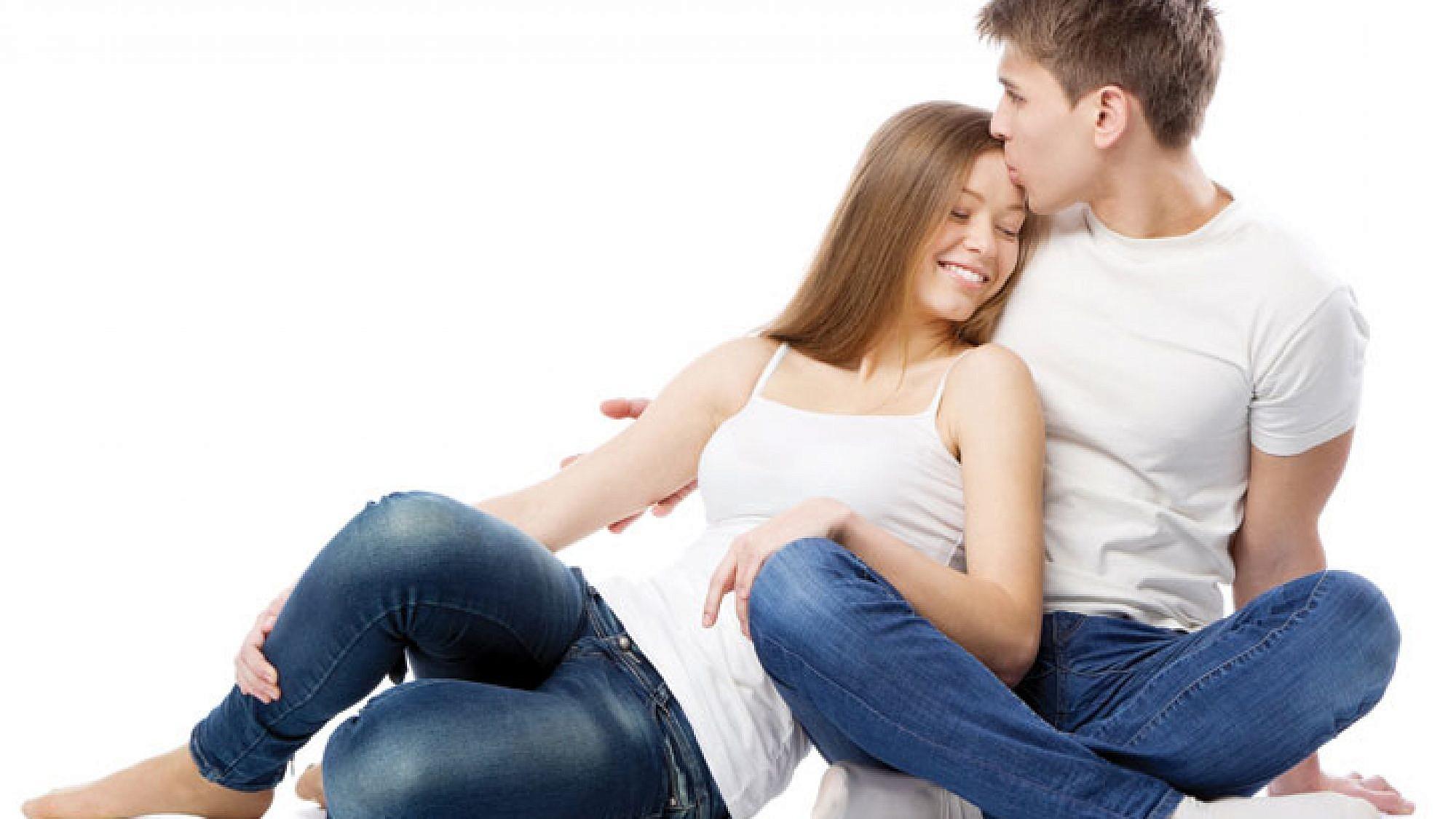 אינטימיות טובה תוביל למיניות. יצירת קרבה רגשית ופיזית שאינה מובילה לסקס, מחזקת בהמשך את התשוקה | צלם: shutterstock