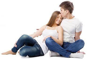 אינטימיות טובה תוביל למיניות. יצירת קרבה רגשית ופיזית שאינה מובילה לסקס, מחזקת בהמשך את התשוקה   צלם: shutterstock