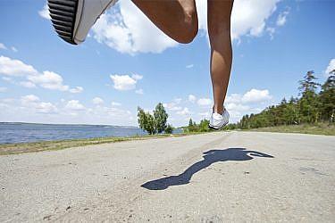 רצים ושומרים על הבריאות. צילום: אימג'בנק