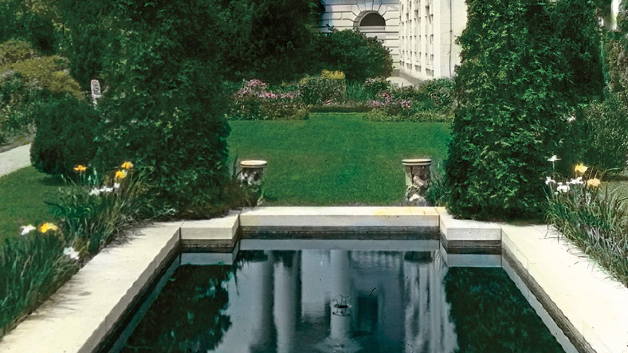 הבית הלבן, הגן הדרום מערבי בבית הלבן, תכנון: Beatrix Farrand. צילום: באדיבות The New York Botanical Garden