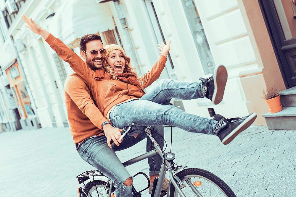 חשוב לעודד את בן הזוג ביחס למעשה שעשה. איך תדעו שהצלחתם לעודד? כשהוא מרגיש טוב יותר ביחס לעצמו אחרי העידוד | צילום: shutterstock