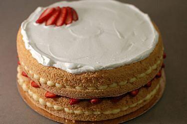 עוגת תותים וקרם | צילום: בלוג פצפוצים