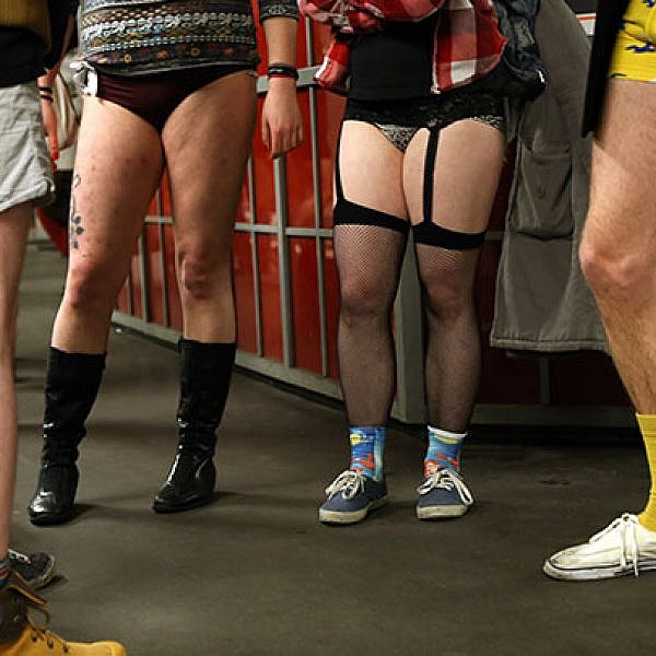 יום ללא מכנסיים. צילום: Gettyimages