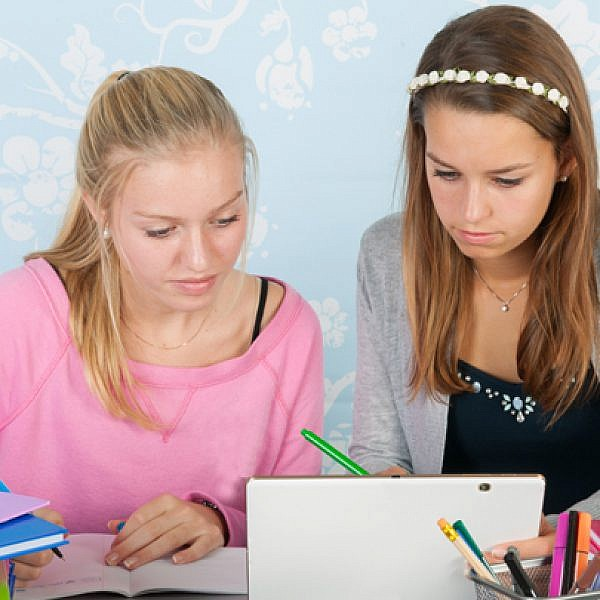 חיזוק המקצועות המדעיים בקרב בנות | צילום: shutterstock