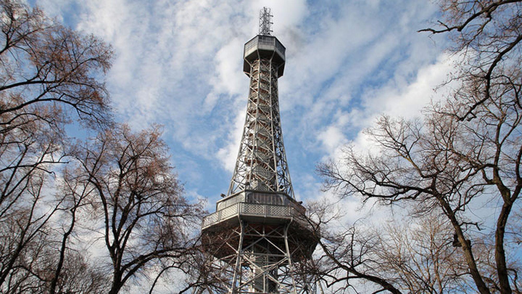 מגדל התצפית בגבעת פטז'ין. צילום: shutterstock