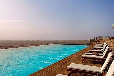 מלון בראשית, מצפה רמון   צילום: אסף פינצוק