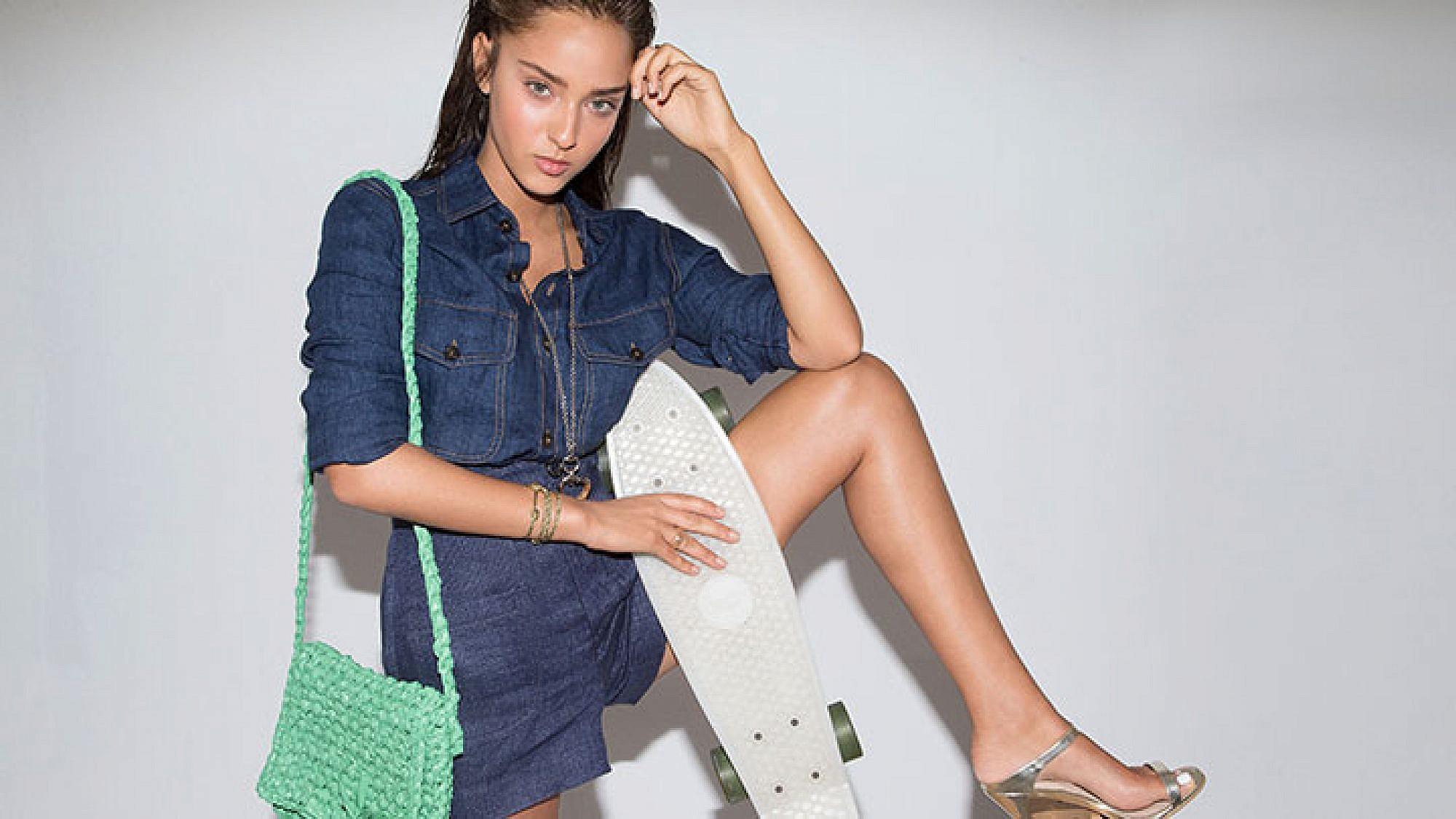 חולצה מנגו, מכנסיים זארה,  נעליים טופשופ, שרשרת וטבעת גוצ'י לאימפרס, צמיד חבל ותיק מיכל אדרי (להשיג ב- 050-633375)   צילום: יניב אדרי