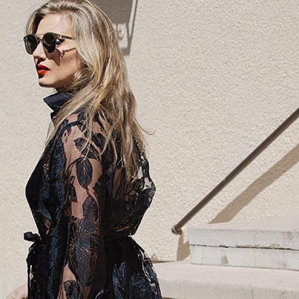 אלינור לובשת שני צימרמן. שמלה 2,000 ש
