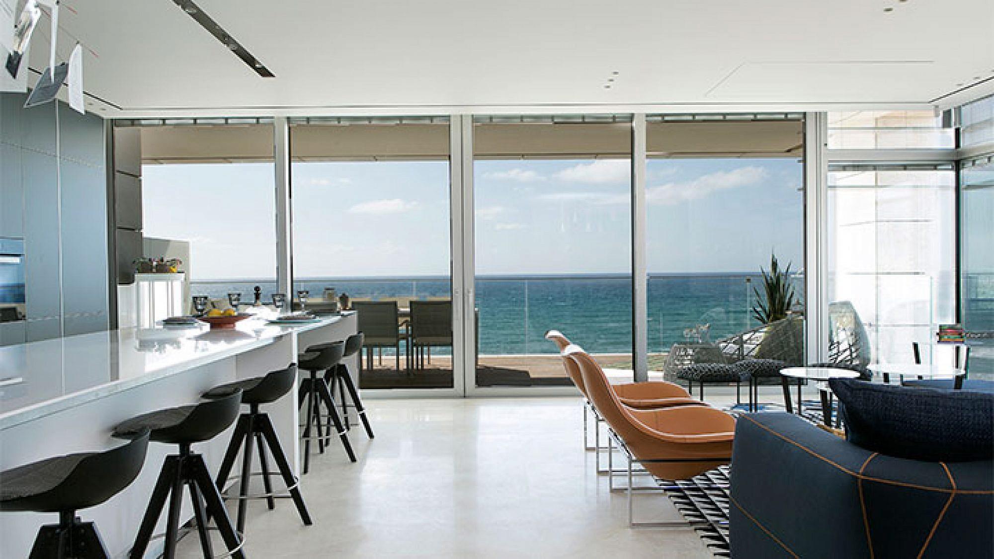 דירת נופש במגדל מגורים על הטיילת של תל אביב   צילום: שירן כרמל