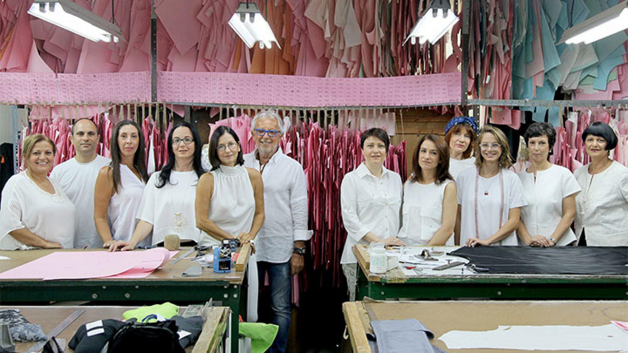 בית האופנה של גדעון אוברזון לובש גדעון אוברזון | צילום: נועה יפה | ניהול קריאייטיב: טל קליינבורט | איפור: ליאור לרר, מורן דוידוביץ'