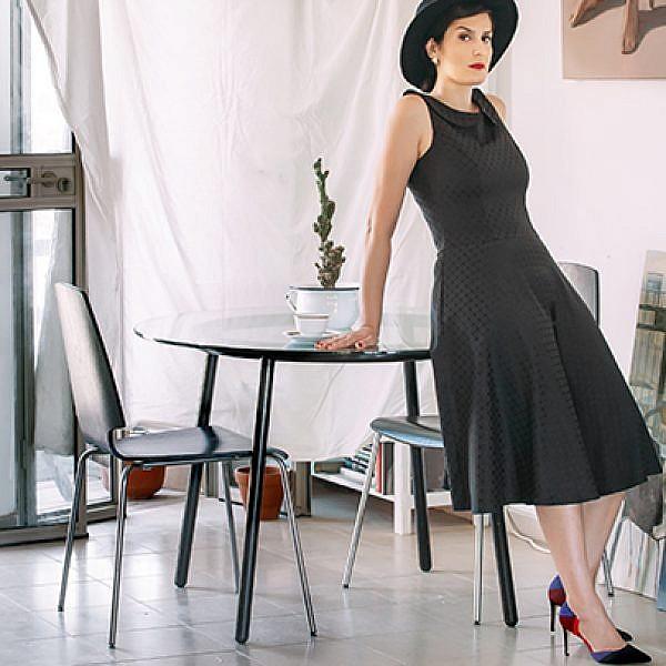 שמלה: נעמה בצלאל, 749 ש