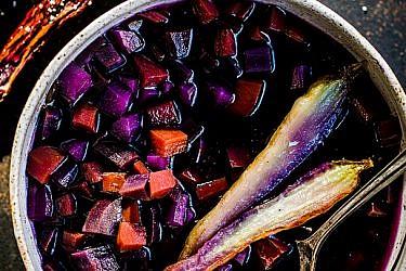 מרק גזרים צבעוניים | צילום: זוהר רון | סטיילינג: נעה קנריק