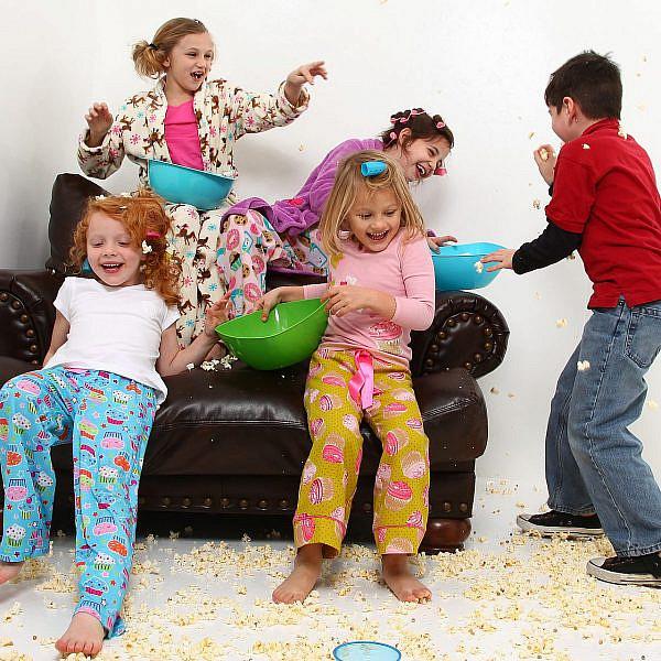 מסיבת פיג'מות | צילום: Shutterstock