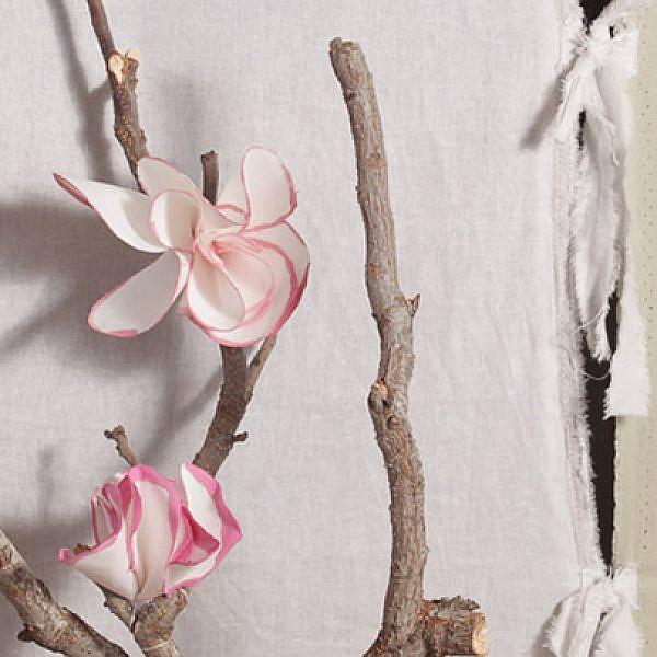 התוצר הסופי: קישוטי פרחים רכים   הכנה: לינוי לנדאו   צילום: טל ניסים