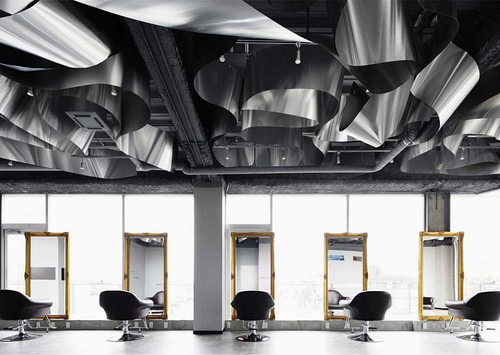 סלון היופי ARKHE   עיצוב: Moriyuki Ochiai Architects   צילום: nacasa & partners