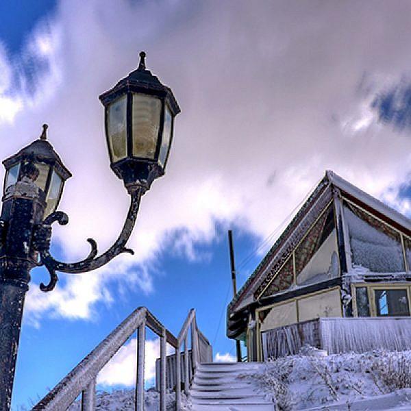 מבט מבחוץ: הבקתות הנעות ברוח   צילום: Snowfix