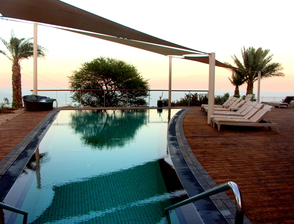 תפאורה רומנטית מושלמת במלון עין גדי | צילום: רויטל חורש