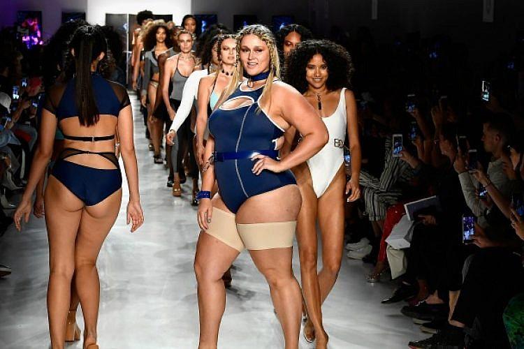 תצוגת Chromat בשבוע האופנה בניו יורק | צילום: GettyImages