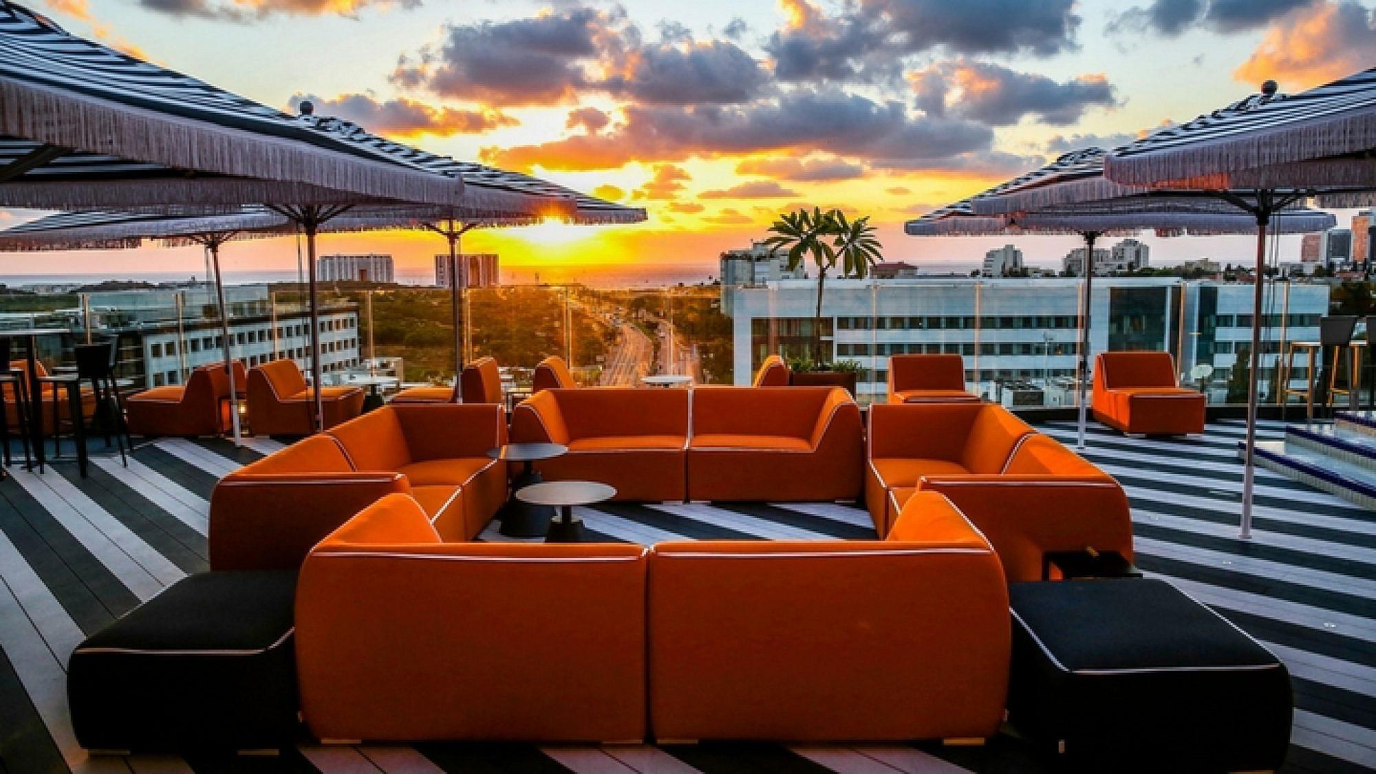 רק בשביל הגג שווה לבוא: מלון פאבליקה בהרצליה | צילום: אלירן אביטל