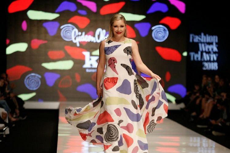 התצוגה של גדעון וקארן אוברזון, שבוע האופנה תל אביב 2018 | צילום: אדריאן סבל