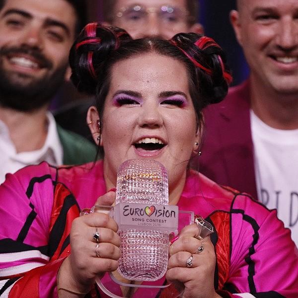 נטע ברזילי ברגע הזכייה באירוויזיון | צילום: אנדראס פוטינג