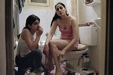 """רונית אלקבץ ודנה איבגי   צילום מסך מהסרט """"אור"""""""