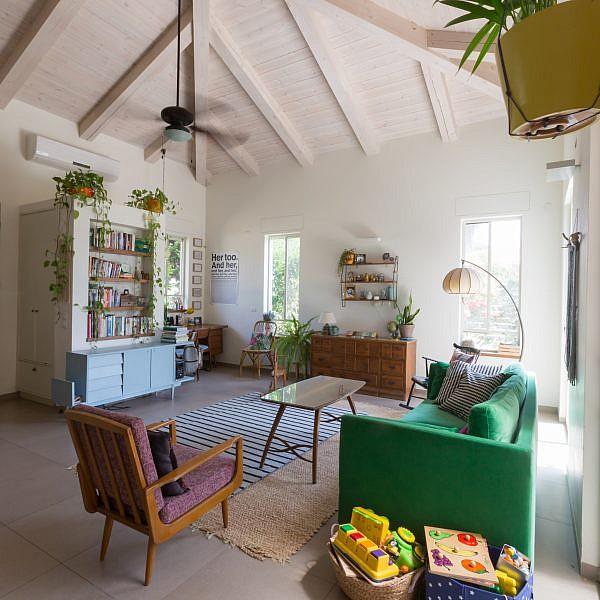 בתים יפים: בית משפחתי במושב גנות הדר   עיצוב פנים: נטע רוסו, צילום: אייל פאר