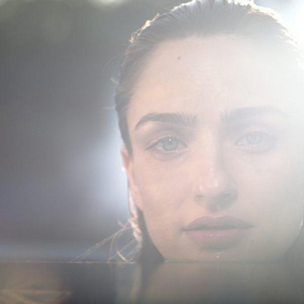 אניה בוקשטיין מתוך הקליפ