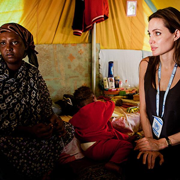 אנג'לינה ג'ולי בטנזניה | צילום: Gettyimages