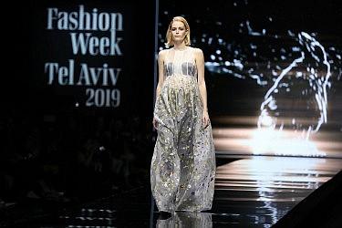 משכית בשבוע האופנה תל אביב 2019. צילום אדריאן סבל