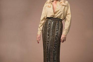 טבעות פדני, שרשרת שרון גיאור דיזיין, חולצה איתי גונן, חצאית style for rent | צילום: עידו לביא