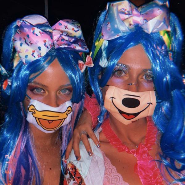 בר זומר וקורל סימנוביץ' בתחפושת של נערות הרג'וקו יפניות | צילום מסך: אינסטגרם