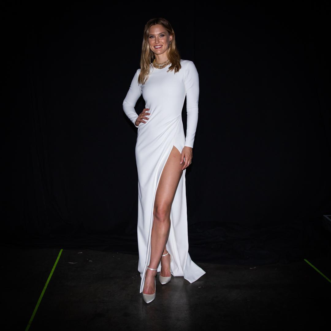 רפאלי לובשת גליה להב בשנית בגמר האירווזיון   צילום: אוהד קב