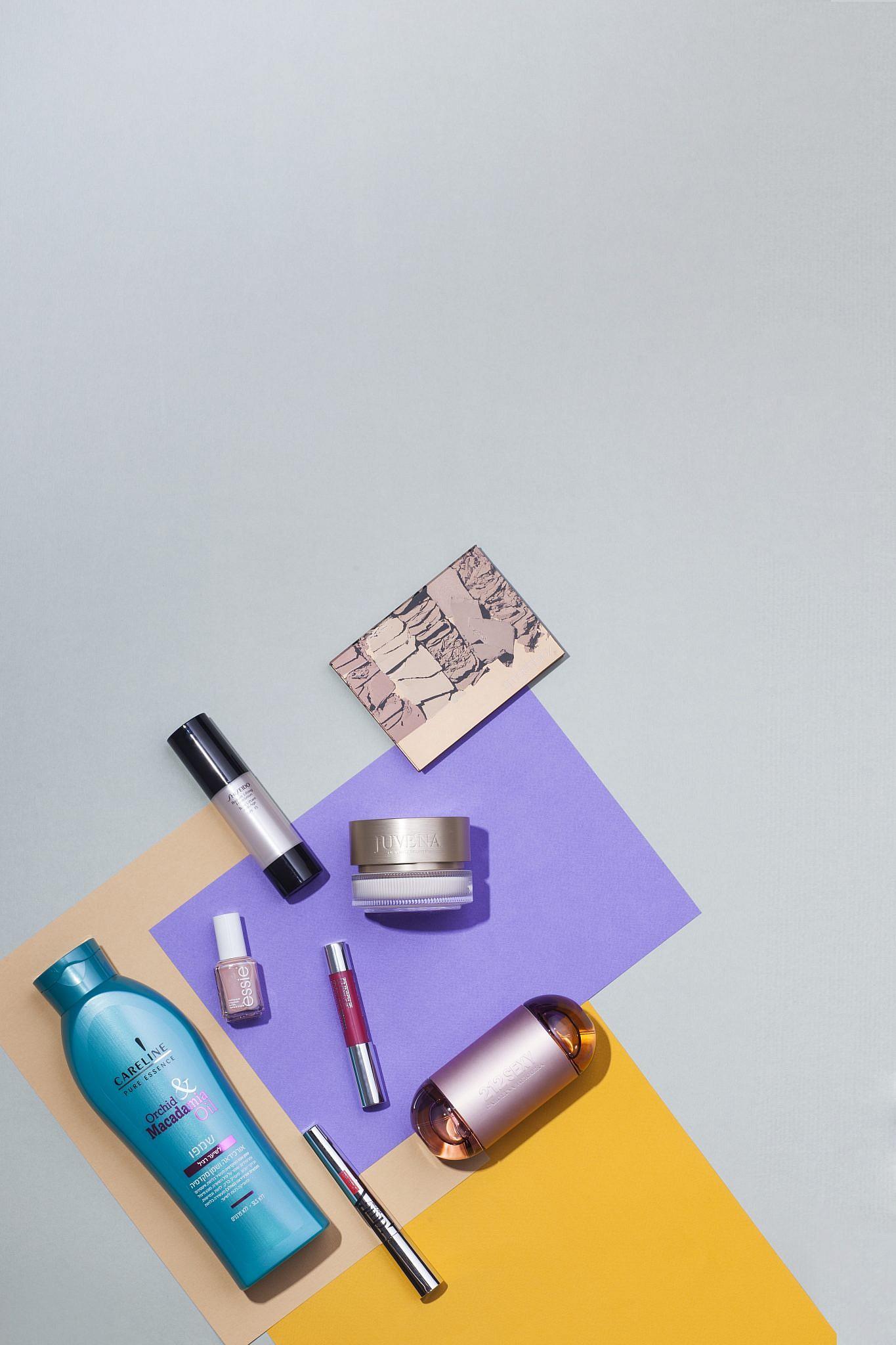 מוצרי הטיפוח והאיפור של מלי לוי | צילום: רן גולני