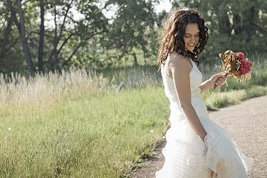 כלה ושמלה קדומה | צילום: Shutterstock