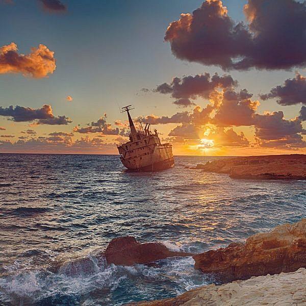 פאפוס בשקיעה | צילום: Shutterstock
