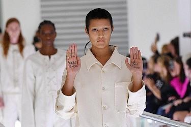 התצוגה של גוצ'י בשבוע האופנה במילאנו | Jacopo Raule/Getty Images