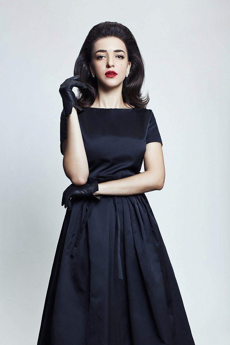 לוסי אהריש | צילום: מיכאל טופיול. שמלה Rochas for Madame de Pompadour, כפפות איתי גונן, עגילים DF-Diamonfire