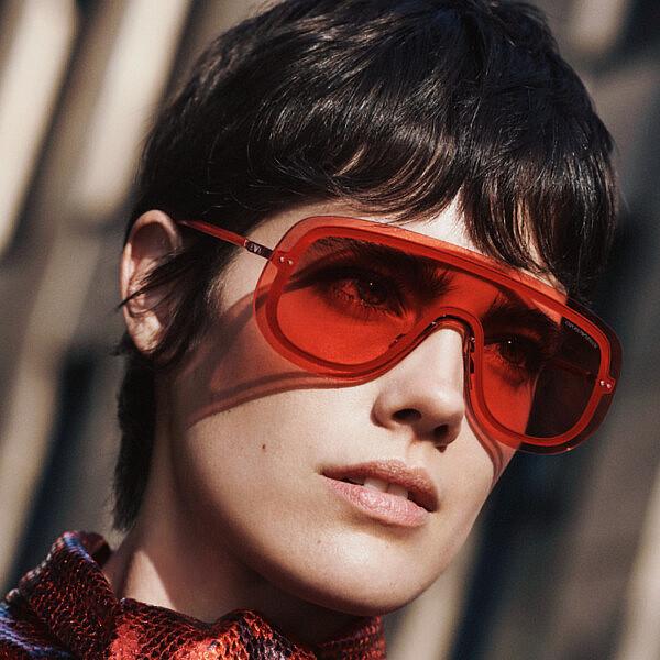 משקפי שמש של אמפוריו ארמני, 700 ש