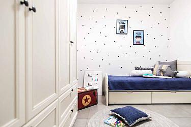 חדר ילדים בעיצוב אושרת ואפרת (ארונות: ריביירה)   צילום: גלעד רדט