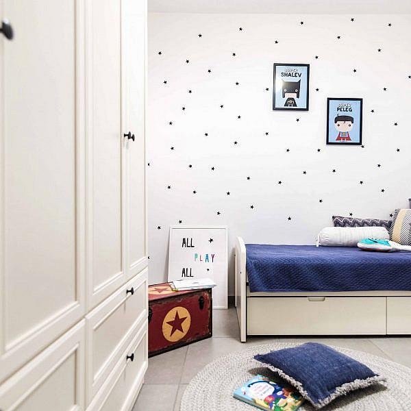 חדר ילדים בעיצוב אושרת ואפרת (ארונות: ריביירה) | צילום: גלעד רדט