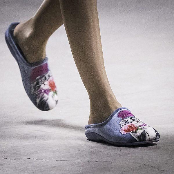 נעלי בית | צילום: Francois Durand/Getty Images for Puma
