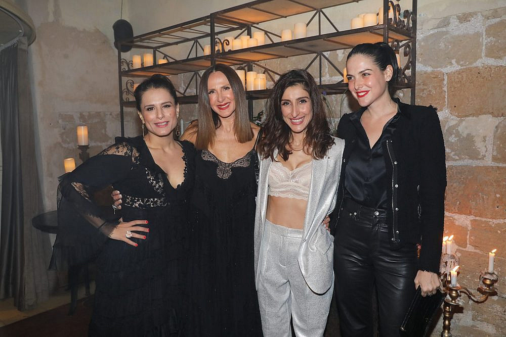 סיוון קליין, שני כהן, לאה שנירר ומירי מסיקה בתצוגת האופנה של ויוי בלאיש | צילום: רפי דלויה