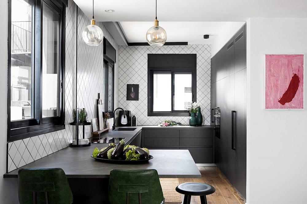 המטבח | אדריכלות: גידי בר אוריין, עיצוב פנים: בטי יעקובסון ומיה יפה-טל, צילום: שירן כרמל, סטיילינג לצילום: עדי פוגל הולנדר