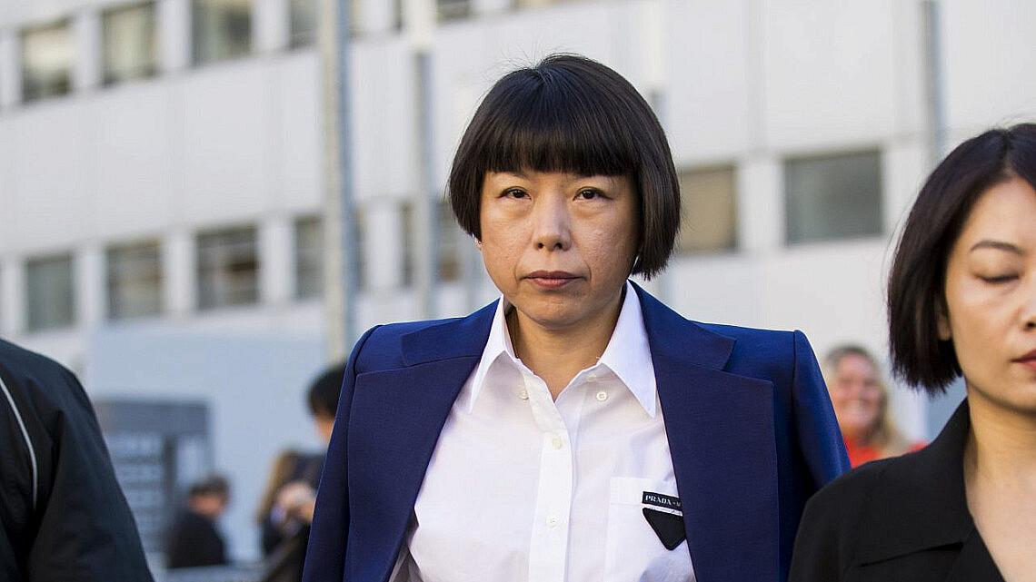 אנג'ליקה צ'נג , עורכת ווג סין בשבוע האופנה במילנו | צילום Claudio Lavenia Getty Images