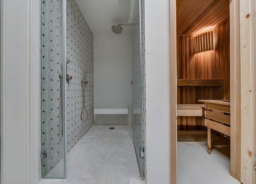 סאוונה מפנקת ומקלחון מעוצב בקפידה | אדריכלות ועיצוב פנים: מיטל שחר, צילום: ליאור טייטלר