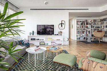 דירת המעצב צחי נבו בתל אביב | צילום: עמית גרון, עיצוב פנים והום סטיילינג: שלומית סלוין