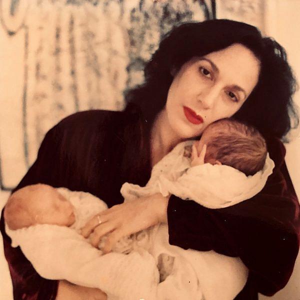 דורין פרנקפורט כאימא צעירה | צילום גולי כהן מהאוסף הפרטי