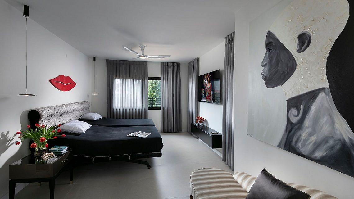 חדר שינה בעיצוב אוה סמואלוב מבית דן דיזיין | צילום: אלעד גונן