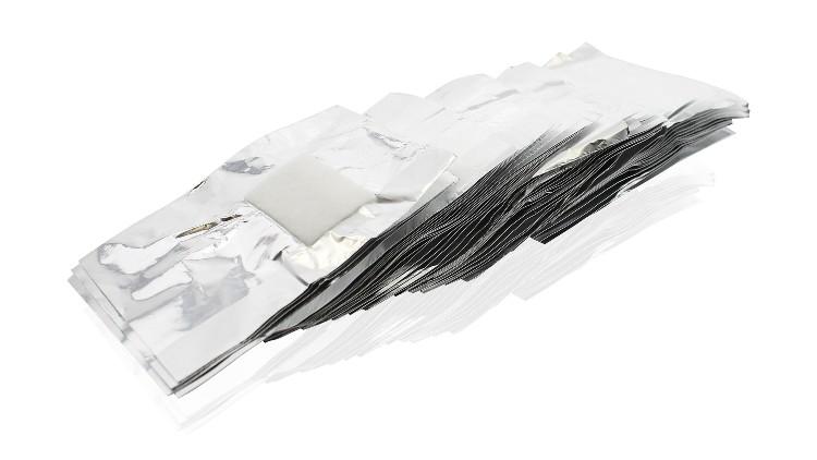 """רדיד כסף עם פד צמר גפן להסרת לק ג'ל, 8.20 ש""""ח ברשת ביוטיקייר   צילום: יח""""צ"""